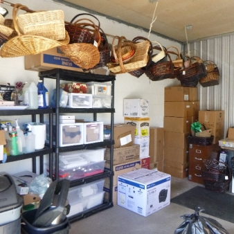 Moving & Storage at Confederation St  auction A0212 40